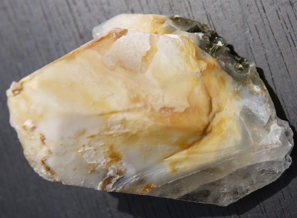 アンフィボル入り水晶 3