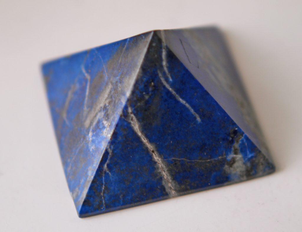 ラピスラズリのピラミッド