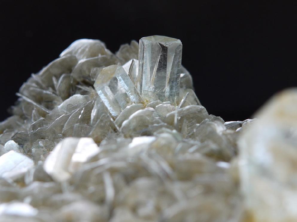 ゴシェナイト結晶(雲母共生)